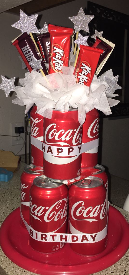 I made this soda can cake for my boss's birthday. Quick and easy diy gift