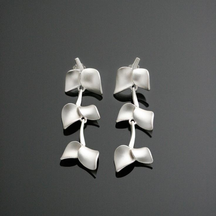 Nuppu mid earrings, Chao & Eero
