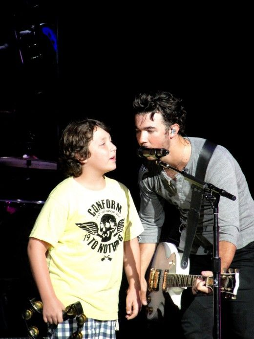 Frankie Jonas with his Older Brother Kevin! *13 Year Old Actors and Actresses YOU Should Know!*