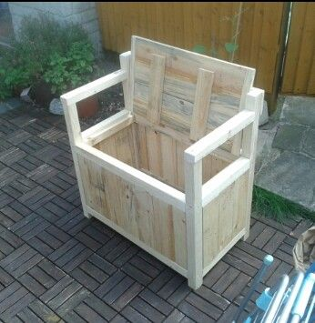 Toy box seat I made from pallets   DIY   Pinterest   Toy ...