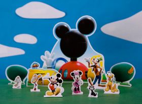 Disney Preschool Printable: Mickey Mouse Clubhouse Playset  (just use the characters to make craft stick puppets)