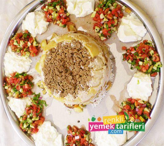 Maklube Tarifi  Maklube Tarifi,maklube nasıl yapılır,maklube yapılışı,pilav tarifleri,yemek tarifleri,rice recipe,Reis Rezept,рецепт риса http://www.renkliyemektarifleri.com/maklube-tarifi