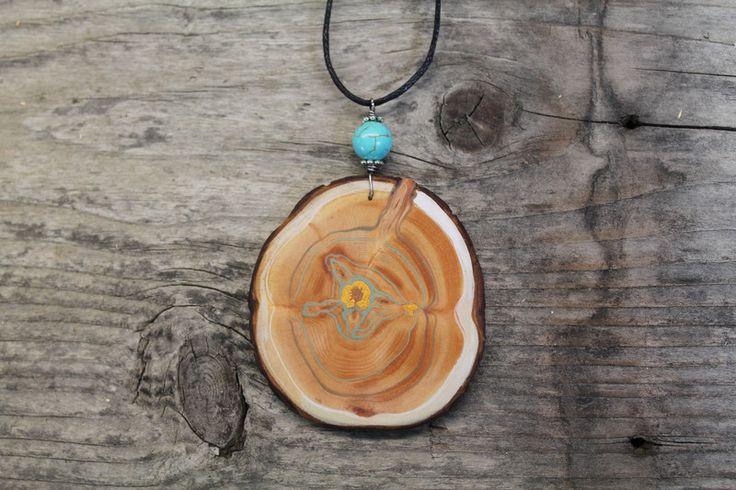 Holzanhänger - Arvemulett-Amulett aus Zirbenholz-bemalt-Howlith - ein Designerstück von TirolZirbe bei DaWanda
