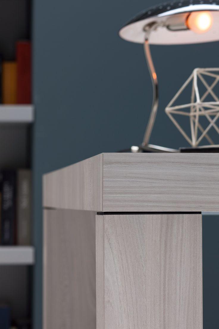 Il design moderno ispirato agli anni '50 della lampada da tavolo Meola completerà alla perfezione l'arredamento del tuo ufficio.  #DelightFULL #uniquelamps #EssentialHome #interiordesign #homedecor #decorazioni #interni #illuminazione #arredamento #ideearredamento #ideecasa #designmoderno #anni50 #anni60 #midcentury #luxurybrand #designlovers #vintage #retro #modern #ufficio #camera #lampada