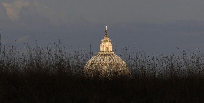 L'Italia è quello che succede quando un Paese sa benissimo quali sono i problemi, ma non ha né la disciplina né la volontà di risolverli. Da un articolo di Frank Bruni per il New York Times. (Reuters/Alessandro Bianchi)