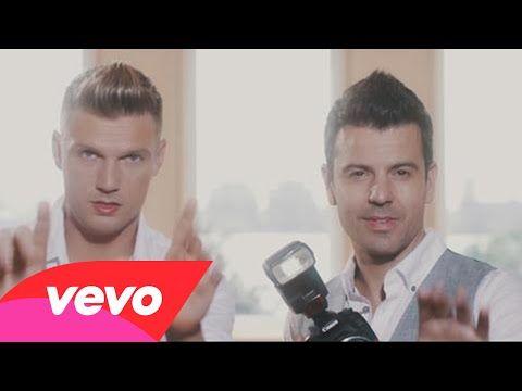 """Nick Carter e Jordan Knight divulgam clipe do single """"One More Time"""""""