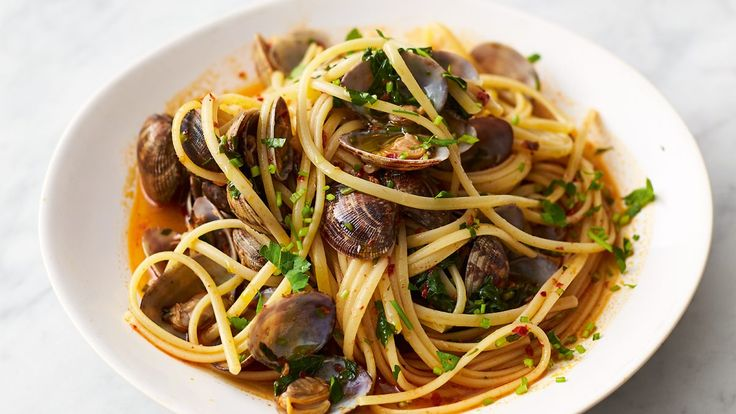 Serves: 2  Total Time: 15 minutes  Calories: 556 Ingredients 150g dried linguine 500g clams, scrubbed 20g 'nduja 1⁄2 a bunch of fresh flat-leaf parsley (15g) 100ml light rosé wine Directions Cook the pasta in a pan of boiling salted water according to the packet instructions, draining 1 minute early and reserving a mugful of cooking water. Meanwhile, sort through the clams, giving …