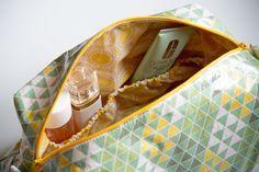 kostenloses schnittmuster: Kosmetiktasche mit Innenfächern