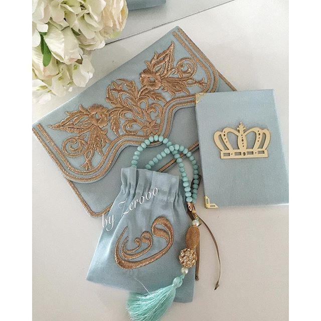 #mulpix Fatih Mehmet'in sünneti için hazırlandık.. Tiffany mavisi Osmanlı figürlü , sırma nakışlı , astarlı çıtçıtlı çanta kese ... Yasini'i şerif.. Vav desenli nakışlı tesbih kesesi.. Tesbih...  #sırmaişi #hacmevludu #umre #umrehediyesi #hac #mevlüd #mevlid #mevlüt #bebekmevlüdü #moda #fashion #dubai #saudiarabia #kese #çanta #yasin #yasiniserif #byzerooo #yasincüzü #sünnet #sünnetmevlüdü #hediye #kişiyeözel #byzerooo #sözhediyesi #nişanhediyesi #hediyelik #sünnetmevlidi #düğün