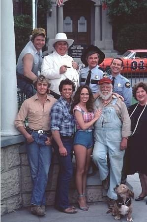 dukes of hazzard roscoe's dog | the dukes of hazzard front john schneider bo duke tom wopat luke duke ...