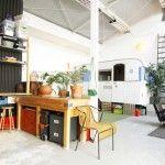 Atelier d'artiste à louer à Paris avec une caravane