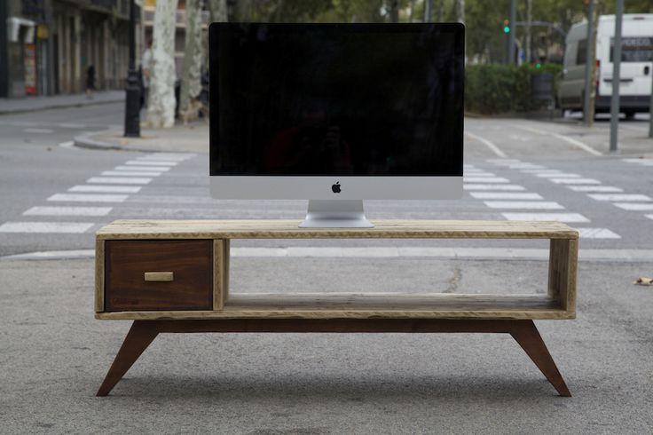 Mueble de tv hecho con palet reciclado tv table made with recycled pallet - Muebles hechos con palets ...