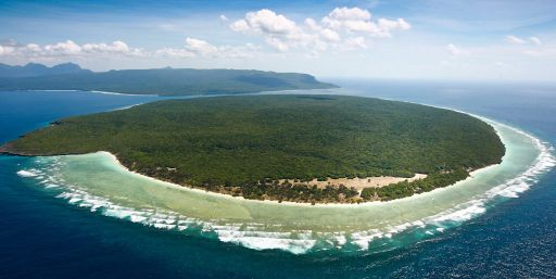A mere 10 sq km and at most loom above the sea, Jaco Island is like the featured item in the catalog of perfect beach islands.