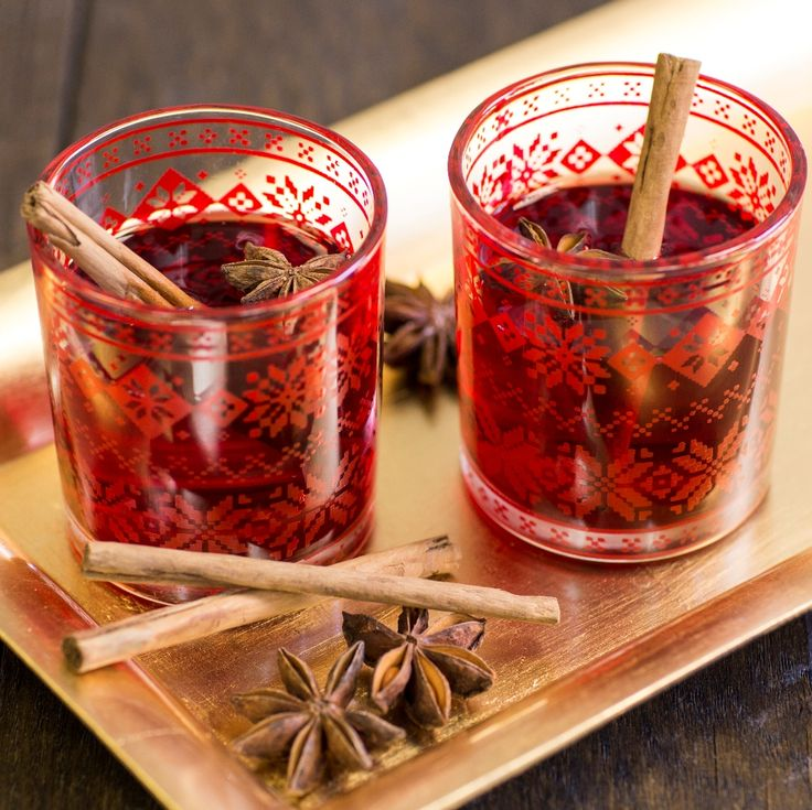 This Hot Mulled Winter Punch Recipe is a wonderful warming festive drink. Ideal with mince pies.
