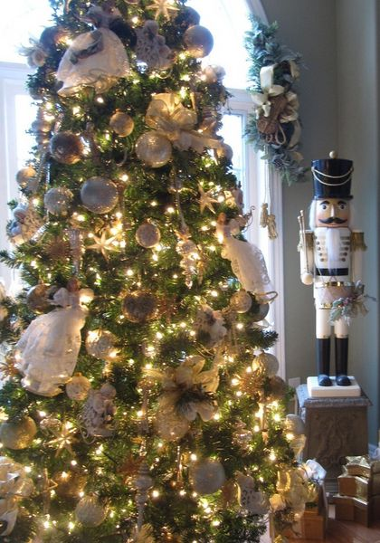 Click Pic 30 Christmas Tree Decorating Ideas White And Gold