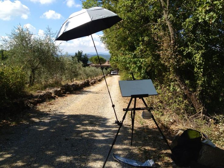 Easel set up and ready today in #Tuscany