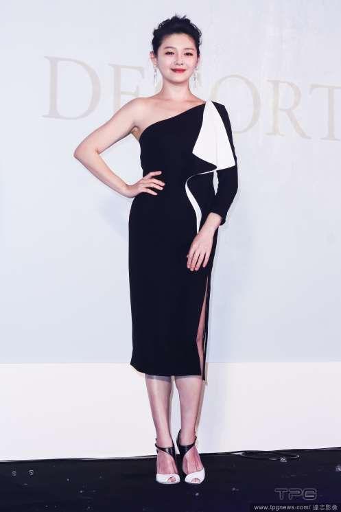 Barbie Hsu at promo event | China Entertainment News