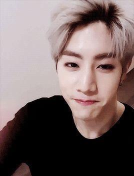 JaeBum se sentía cansado cada noche, aquel chico de sonrisa tímida no… #fanfic # Fanfic # amreading # books # wattpad