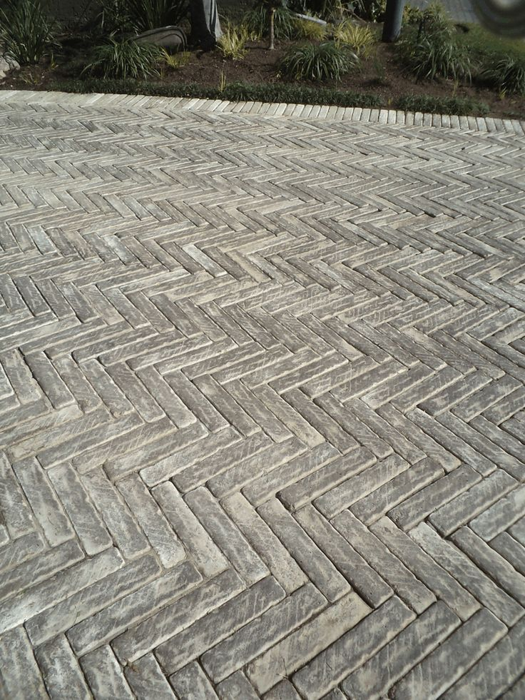 Herringbone paving. Paving for townhouses. Paving Unlimited.
