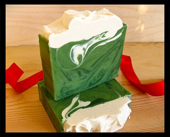 Walking in the mountains on a cool crisp snowy day, inhale the fresh mountain air. Thats what this soap smells like. Bright kelly green soap with
