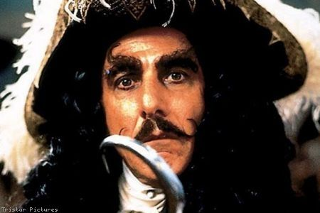 Captain Hook (Dustin Hoffman)  www.moviefancentral.com