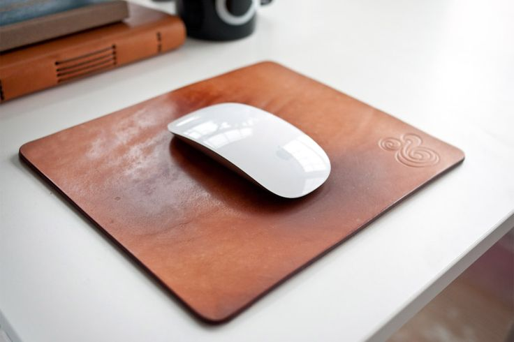 PREMIUM LEATHER MOUSEPAD (NATURAL) | Ugmonk