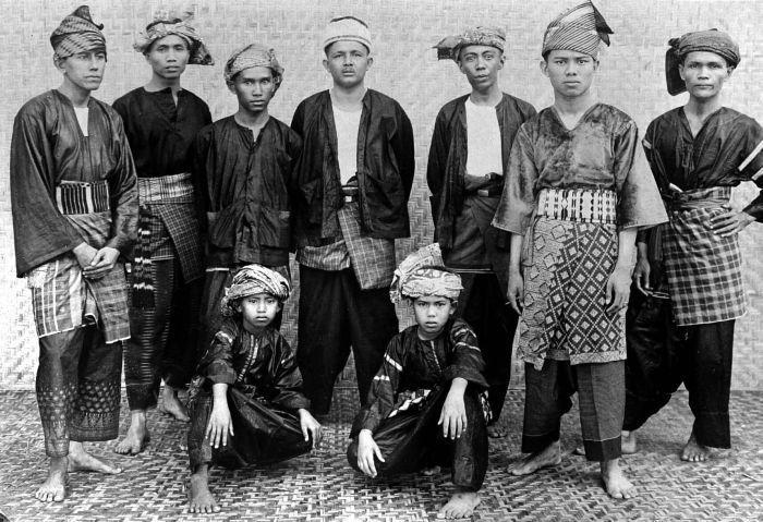 Minangkabau men in traditional clothes