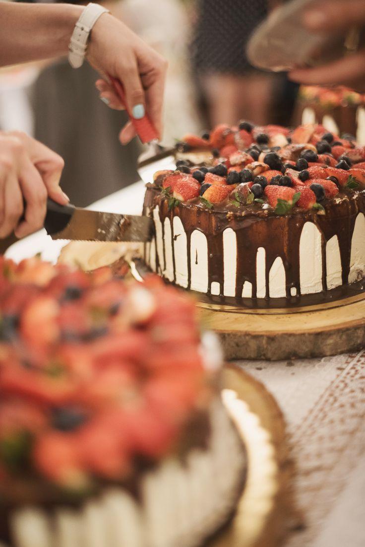 Rustic wedding cakes designed by GRUNT STUDIO