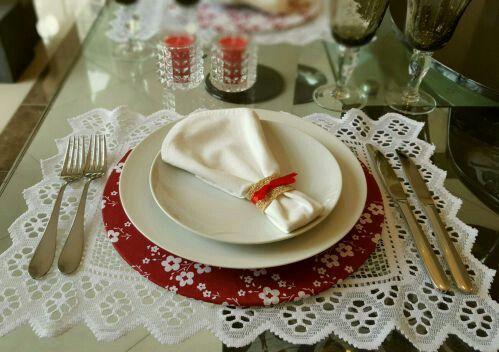 Quem nao ama uma mesa linda!  Sousplats Decor In Casa - www.decorincasa.com.br