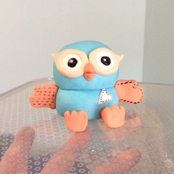 Hoot made from fondant