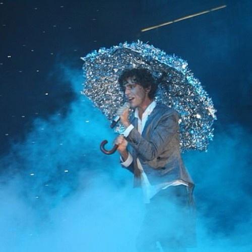 Mika with his silver umbrella