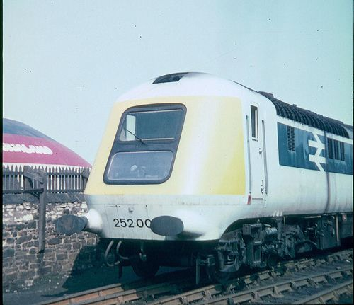 HST 252 001 at Shildon   31st August, 1975. At the tail end …   Flickr