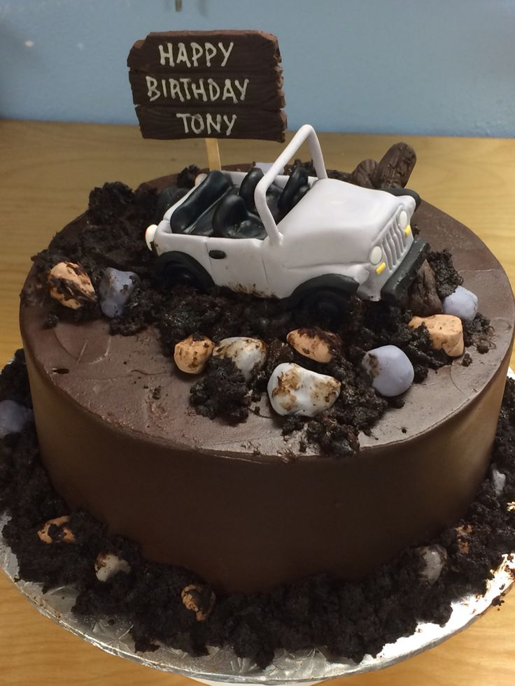 25+ best ideas about Jeep cake on Pinterest Car cake ...