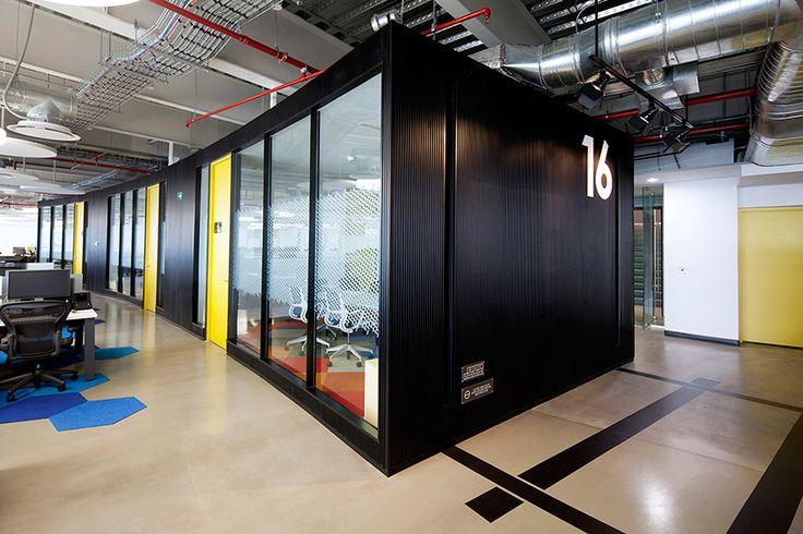 grupo CP corporate interior by space arquitectura + pentagono estudio