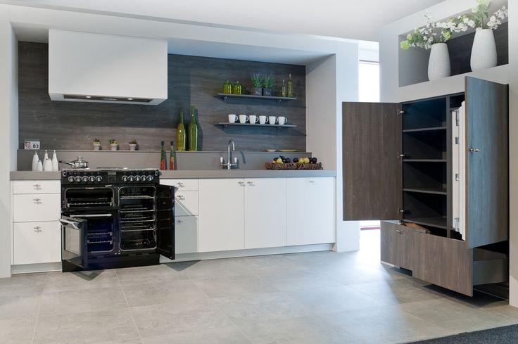 Keukens Moderne rechte keuken met houtstructuur