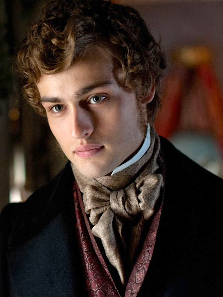 Douglas Booth as Pip inGreat Expectations (2011).