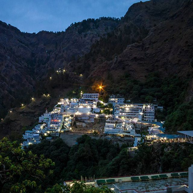 Vaishno Devi Temple  Divine Mountains Jai Mati Di
