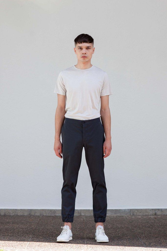 VON HUND Fashion & Design - Menswear Lookbook S/S16, Light Grey Hakon Classic Tee & Anthracite Anzo Pants. Radical Price Transparency.  www.vonhund.com