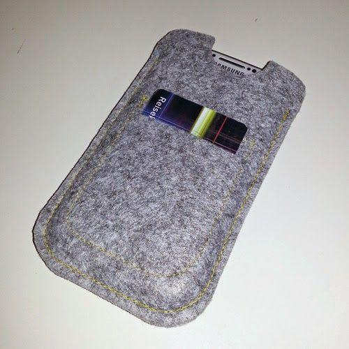 Håndlaget mobiletui med plass til reisekort / handmade cellphone-case