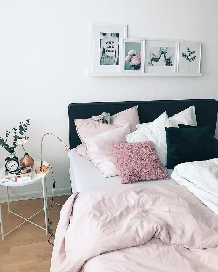 Sweet Dreams! Sweet dreaming is inevitable with the pink percale linen Sara. Combined with a unique Gallery Wall, an elegant …