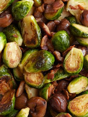 Brussels Sprouts with Bacon and Roasted Chestnuts: loaded with delicious flavor thanks to a little butter, bacon, and chestnuts.    #thanksgiving #recipes