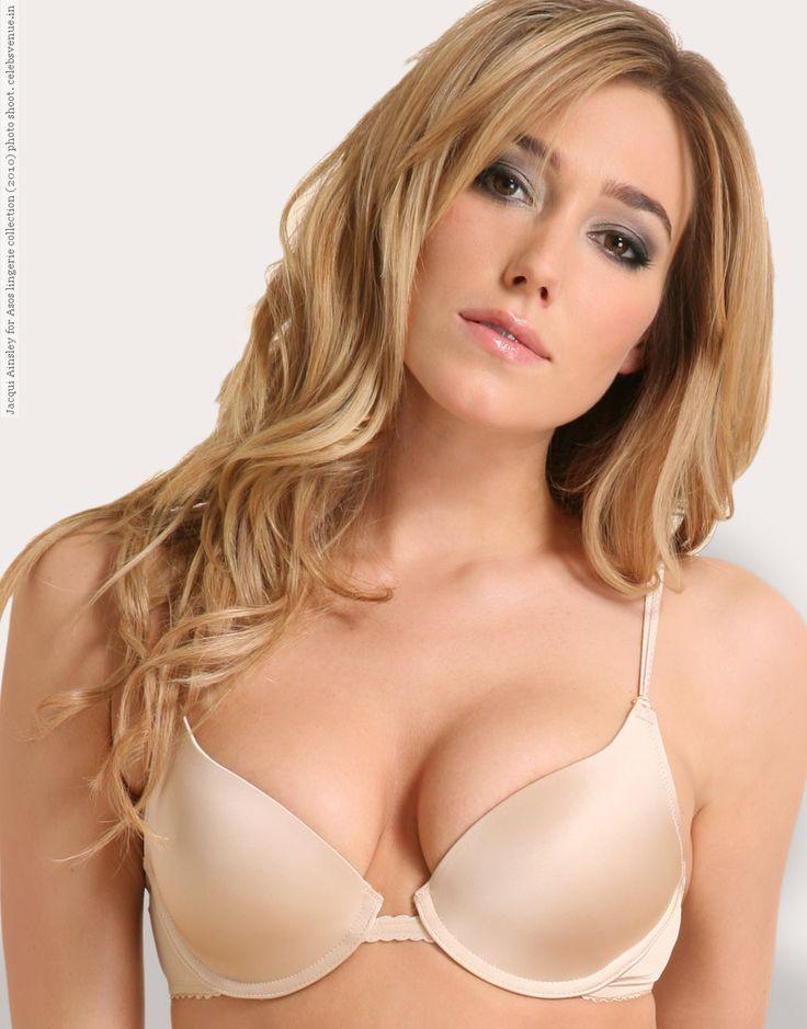 Jacqui Ainsley Nude Photos 52