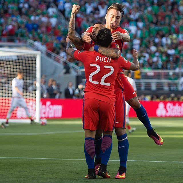 ¡Gol chileno! Edson Puch le da el 1-0 a La Roja. #MEXvCHI #Copa100