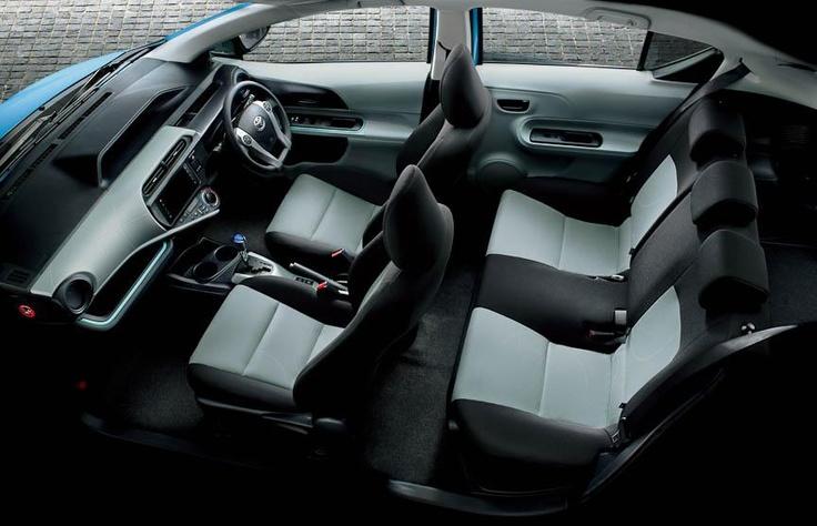 Toyota запустила продажи гибрида Aqua в Японии