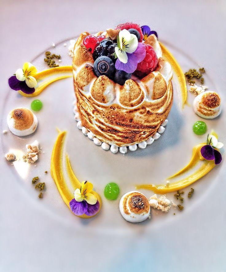 Stuffed meringue, red fruits sorbet and cream ice cream #myriadbysana #myriadhotel #Luxuryhotel #springmenu #sweets @chefandersonmiotto @fredericbreitenbucher