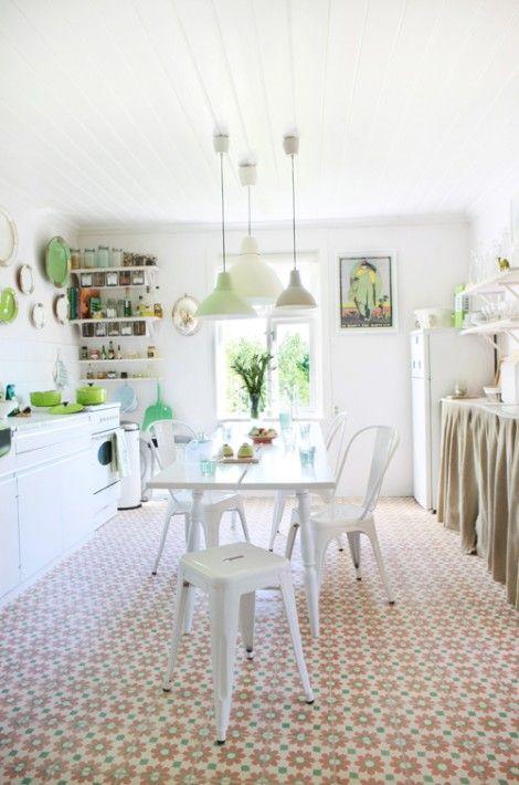 ¿Y que hago con una cocina vieja? Decorarla así de bonita y barata | Decoración                                                                                                                                                                                 Más
