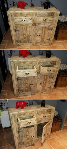 This is a form of the creative entryway table that is perfectly designed with the wooden pallet use in it. This entryway table is all comprised with access of the drawers too for storing important accessories. Don't forget to locate some colorful decoration pieces over the top of the entryway table to complete the whole look.