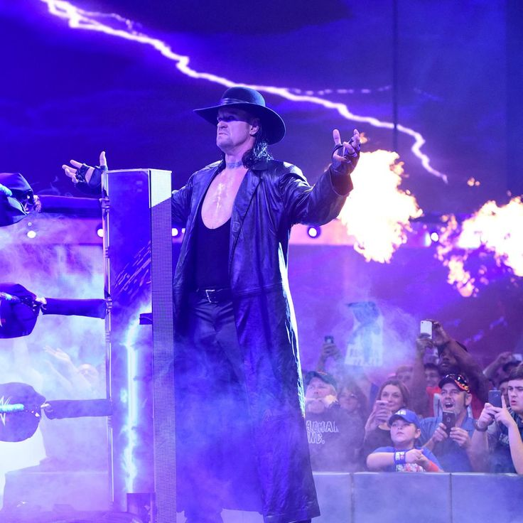 """The Cutting Edge"" and The Undertaker return to turn Survivor Series on its head: SmackDown LIVE, Nov. 15, 2016"
