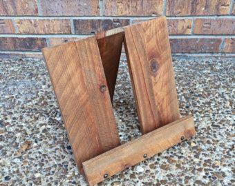 Rustic Wood Arc Floor Lamp © by AWalkThroughTheWoods on Etsy