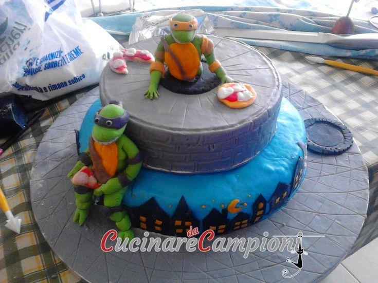 Torta in pasta di zucchero - Tartarughe ninja. Torta di compleanno realizzata su richiesta #tartarugheninja #cake #turtles #sogood #cucinaredacampioni #cdc #pastadizucchero #realizzataamano #cakedesign #cakefantasy #Ilovecakes